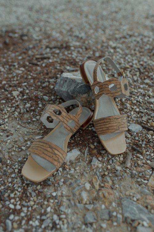 schuster sandals